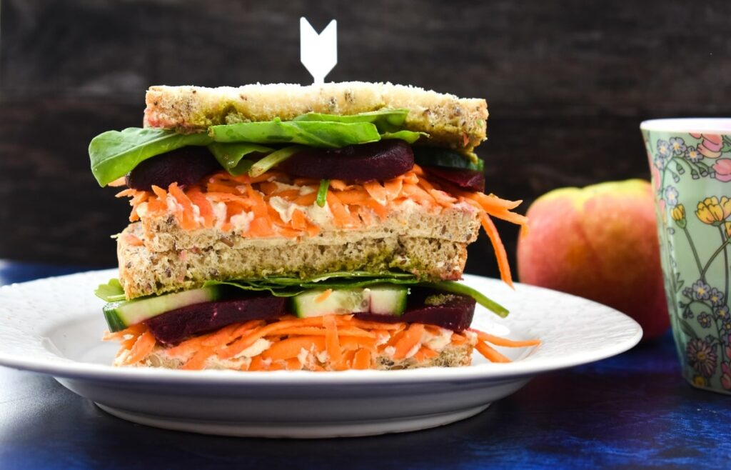 vegan hummus beet sandwich
