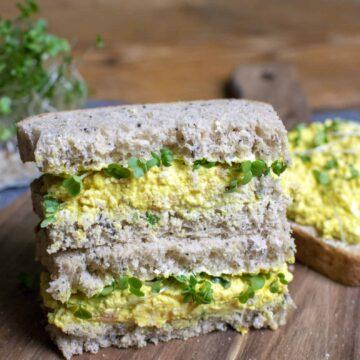 vegan egg mayo sandwiches