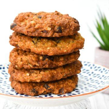 Easy Vegan Hazelnut & Raisin Cookies